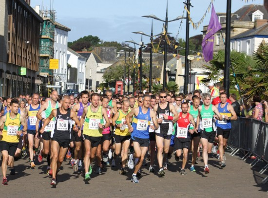 Truro Half Marathon 2012, race start. Thanks to St Austell RC for the photo.